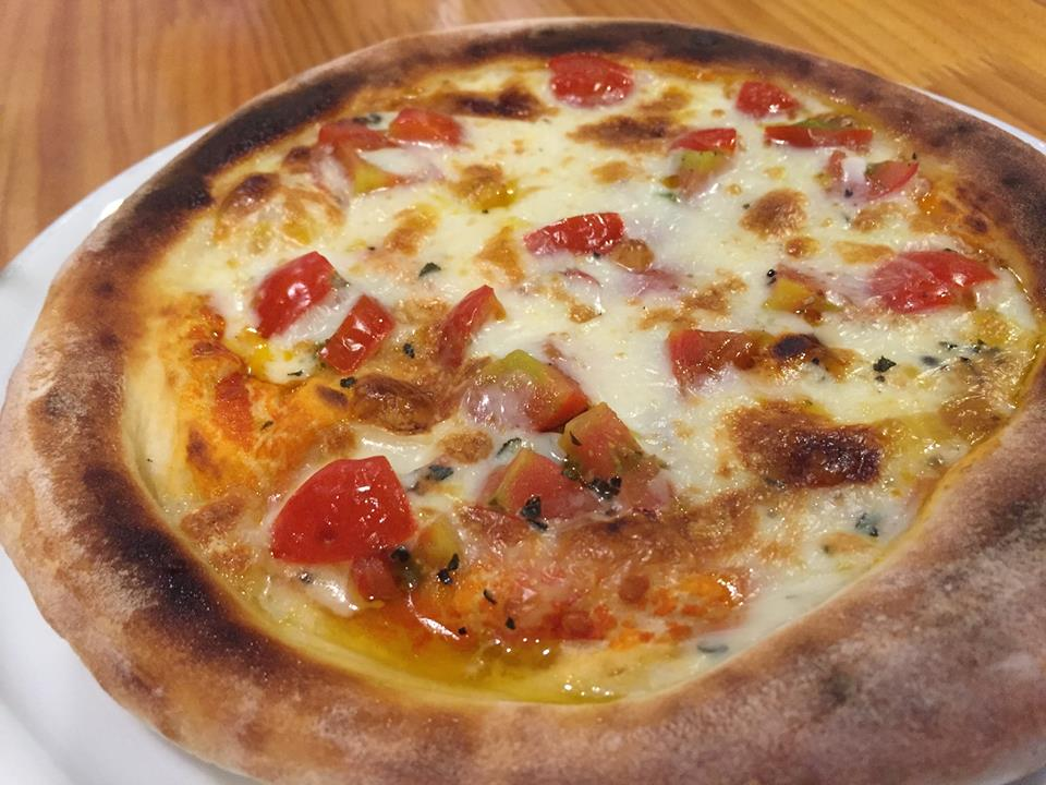 行列のできる村のピザ屋カンパーニャさんの試食会がアツかった。